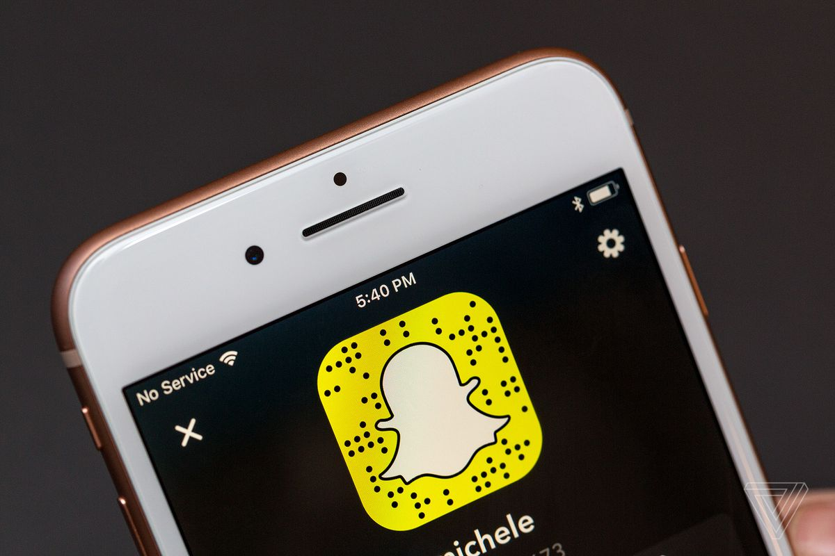Snapchat Is Adding Group Video Chat To iOS, Android App This Week