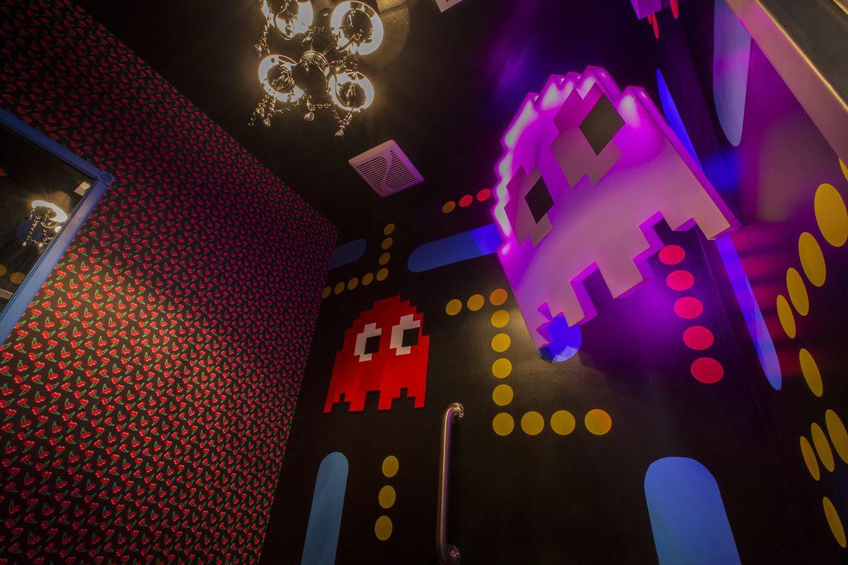A Pac-Man-themed bathroom.