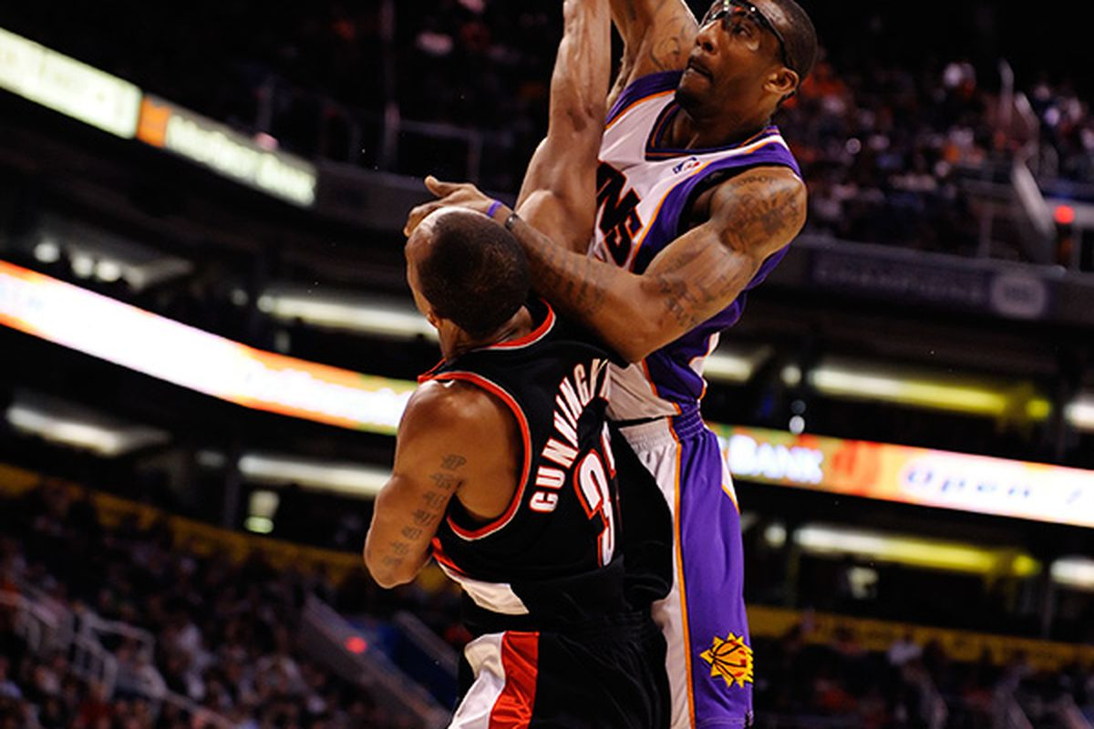 (Photo by Max Simbron) Dunk by Amare Stoudemire.