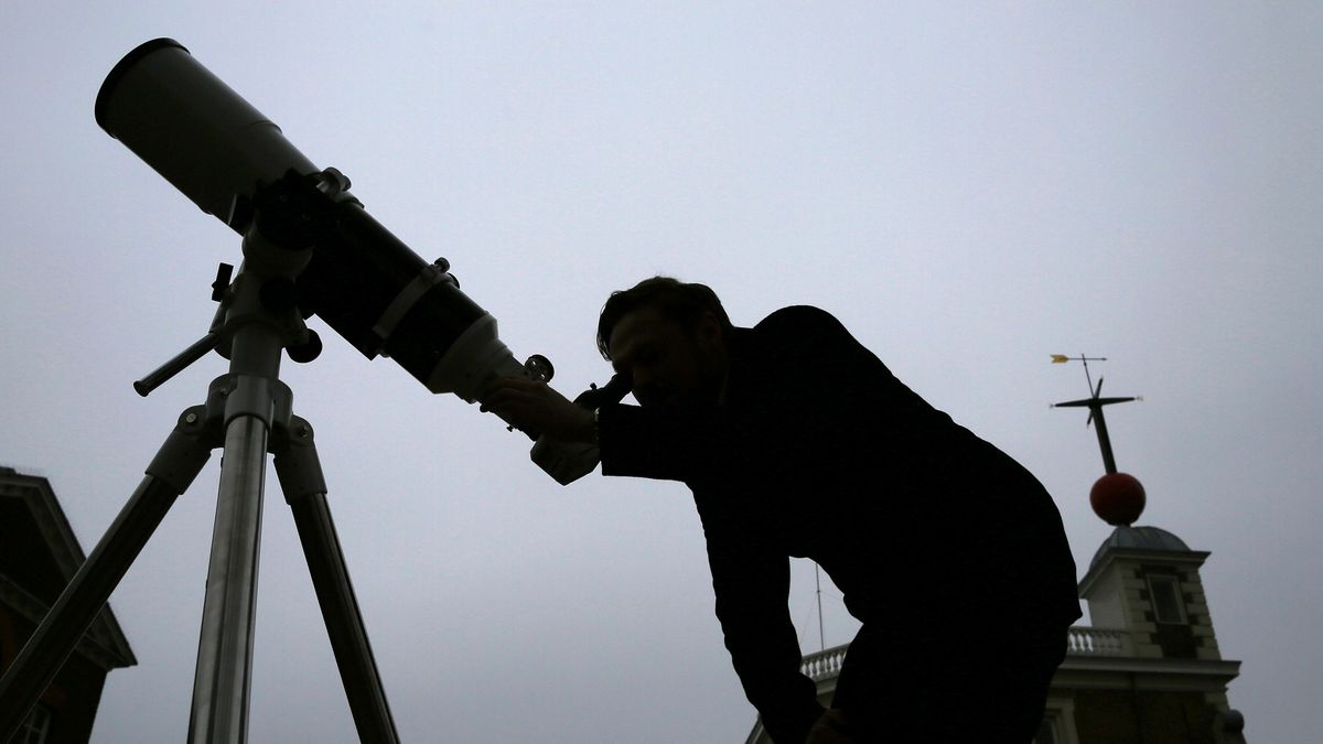 Preparations For Friday's Solar Eclipse Begin At The Royal Observatory