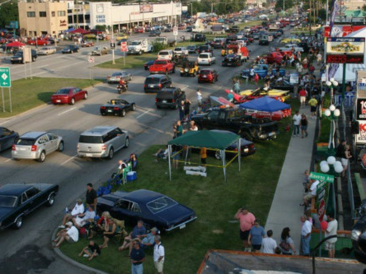 A Dining Guide To Detroit S Woodward Dream Cruise