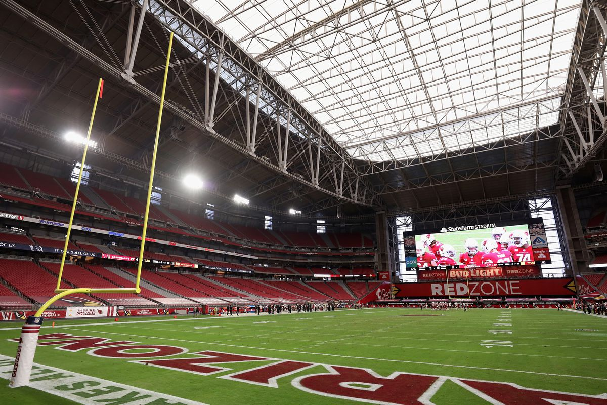 General view as the Arizona Cardinals huddle up during the second half of the NFL game against the Washington Football Team at State Farm Stadium on September 20, 2020 in Glendale, Arizona.