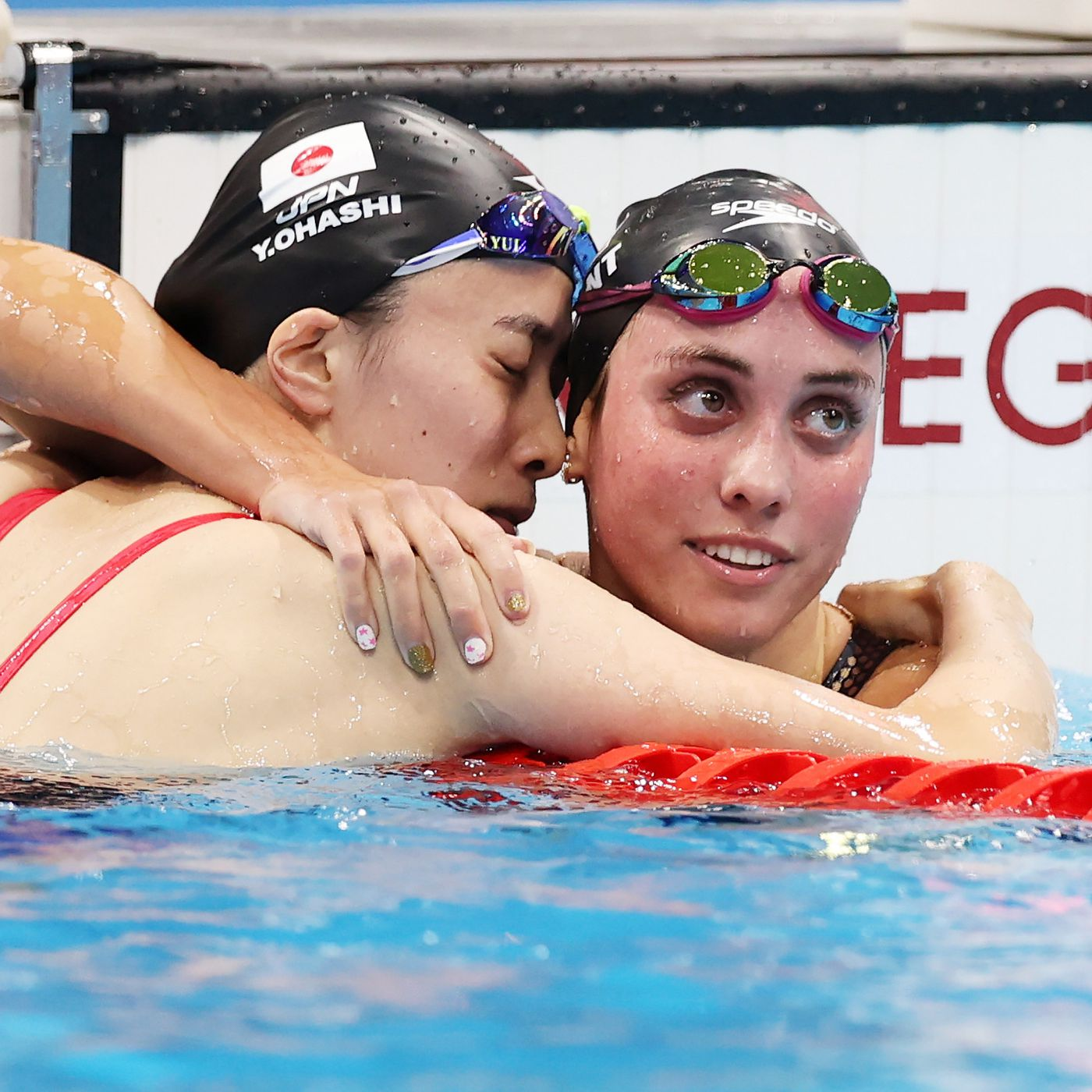 2020 Tokyo Olympics Emma Weyant Captures 400im Silver In Olympic Debut Streaking The Lawn