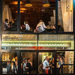 "<a href=""http://ny.eater.com/archives/2014/05/restaurant_review_allonda.php"">Restaurant Review: All'Onda</a>"