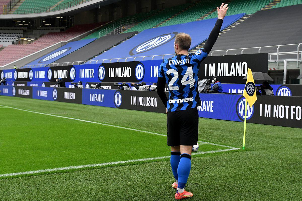 Christian Eriksen of FC Internazionale prepares to kick a...