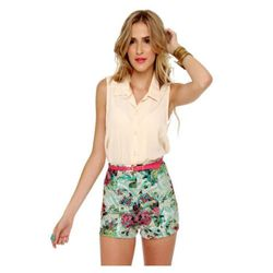 """<a href=""""http://www.lulus.com/products/go-with-the-flo-rist-high-waisted-floral-print-shorts/52861.html""""> Lulu'sGo With The Florist highwaisted printed shorts</a>, $35 lulus.com"""
