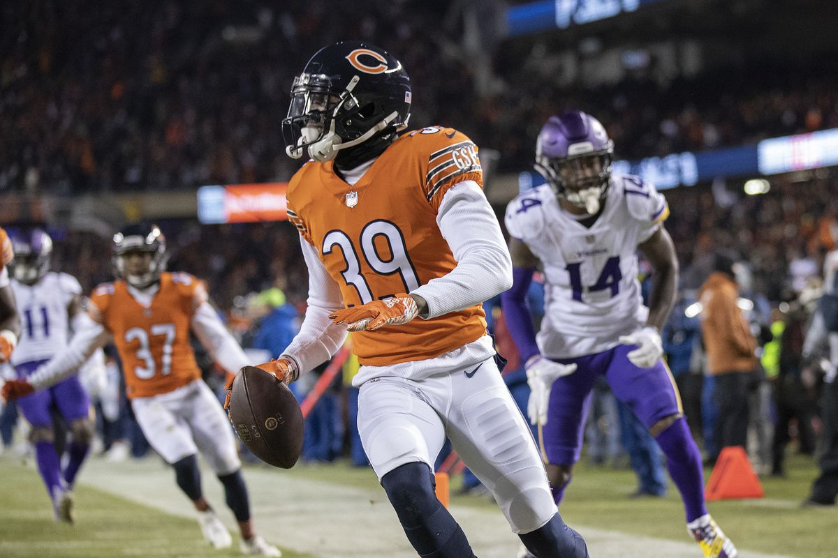 Chicago Bears free safety Eddie Jackson (39) scored after intercepting a pass in the fourth quarter at Soldier Field Sunday November 18, 2018 in Chicago IL.] The Chicago Bears hosted the Minnesota Vikings at Soldier Field . Jerry Holt • Jerry.holt@s