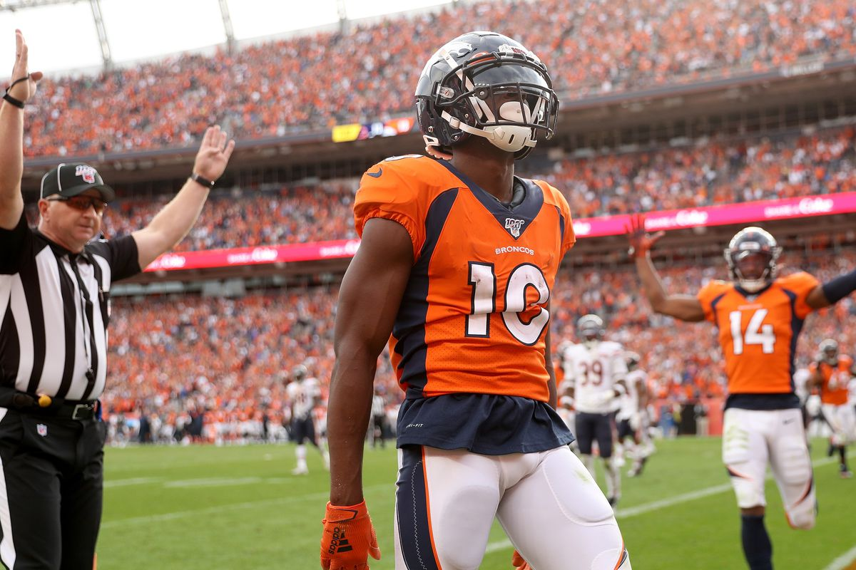 Broncos players totally behind Fangio's two-point play, 4th-down calls