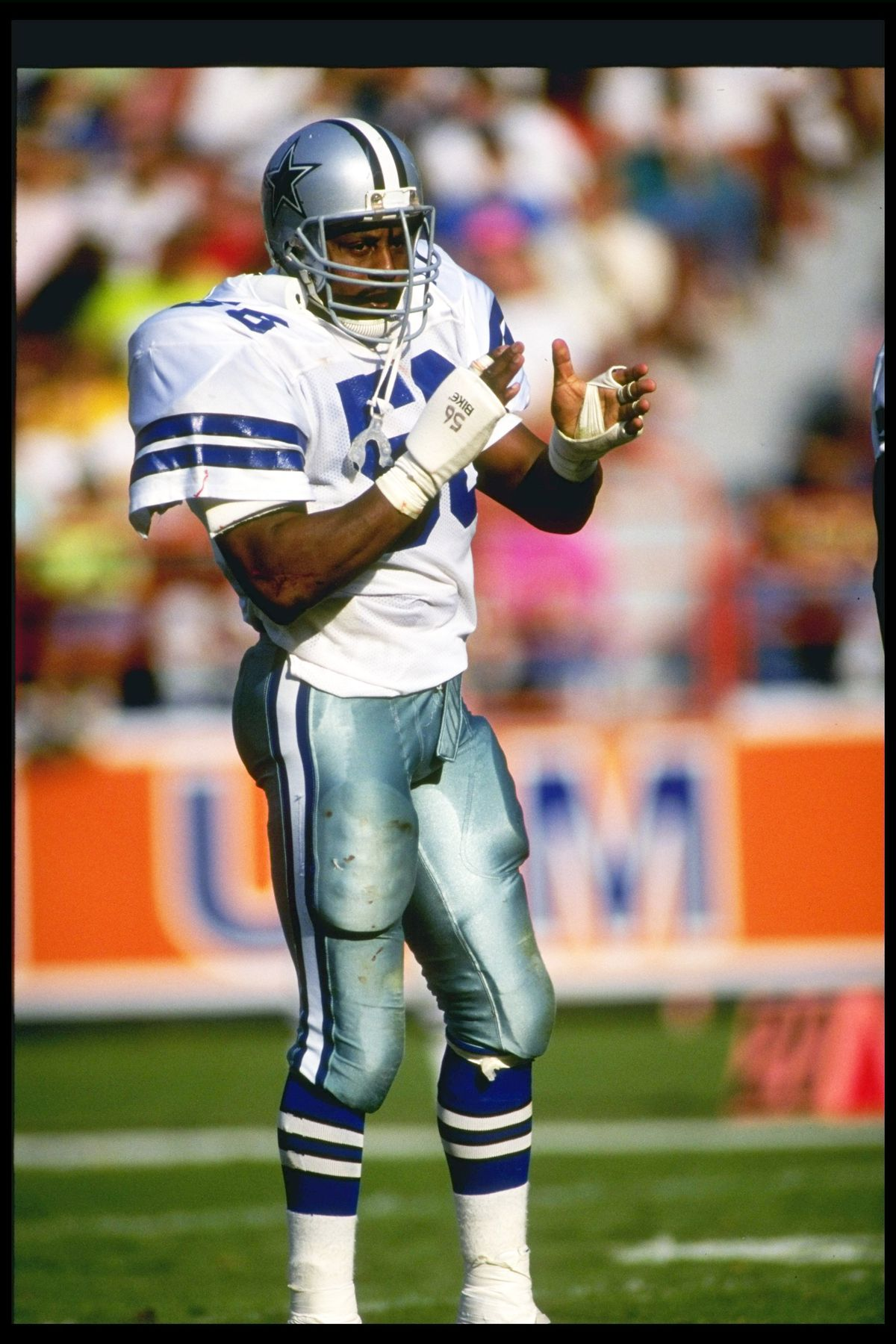 "89c9dbd16fd Analysis  Most folks will remember that Thomas ""Hollywood"" Henderson wore  this number but he s not the one who wore it best. Henderson had too many  off ..."