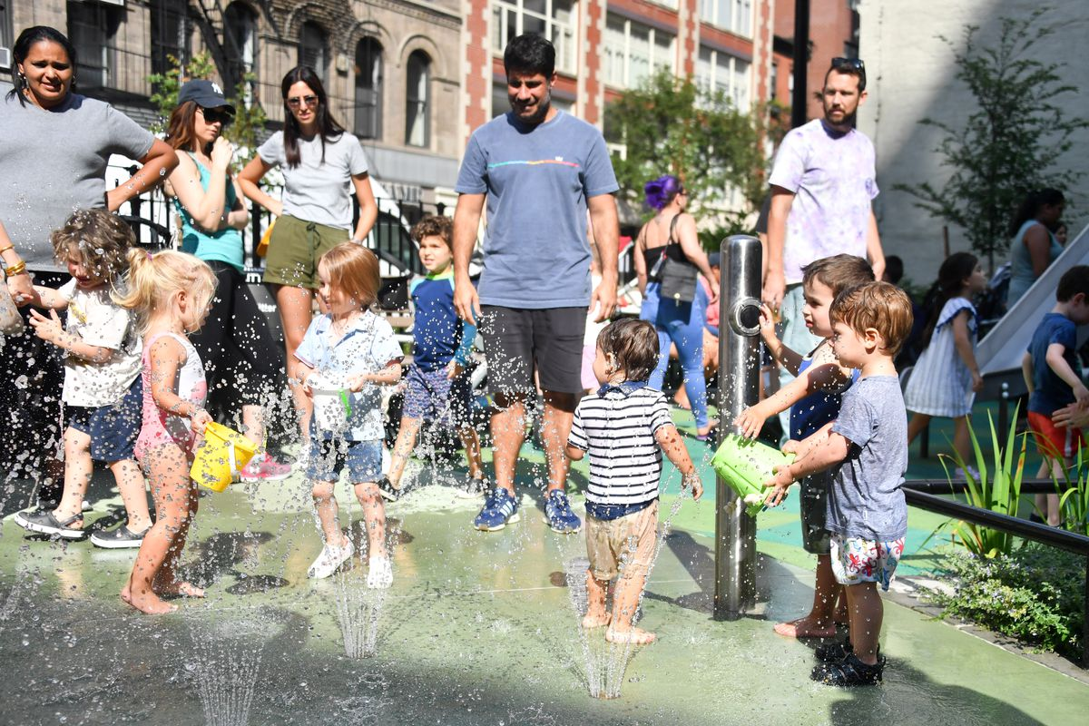 Chelsea Green Is Neighborhood S First New Park In 40 Years Curbed Ny