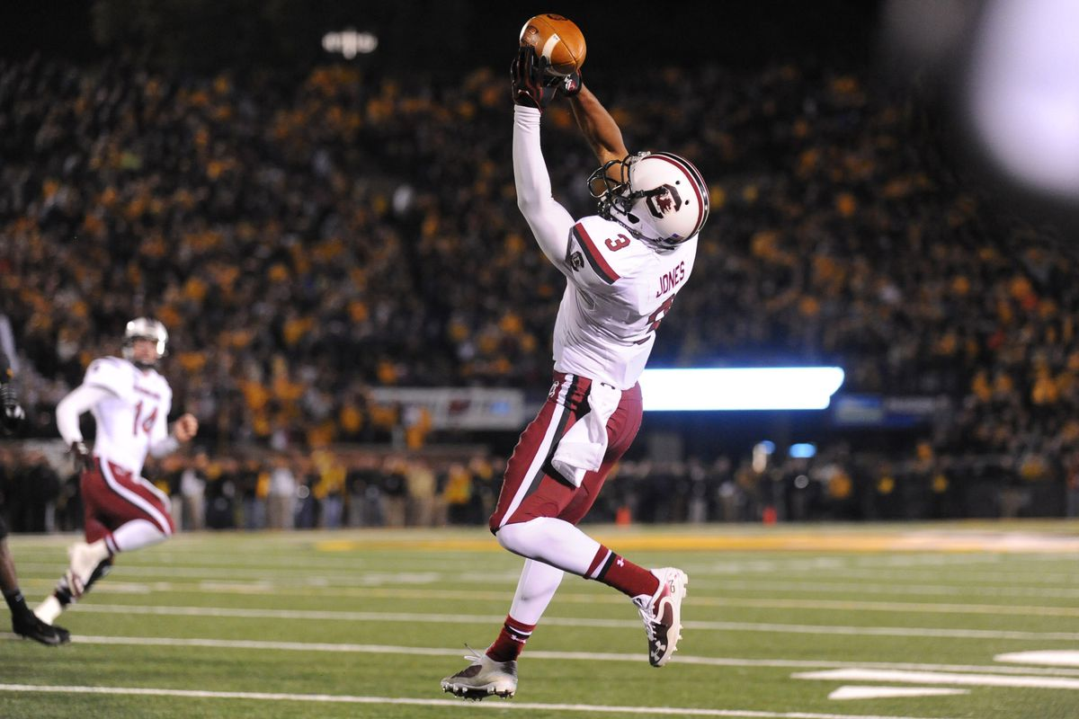 Nick Jones brings in a touchdown pass from Connor Shaw that got the Gamecocks to overtime in a 27-24 2OT victory over Missouri.