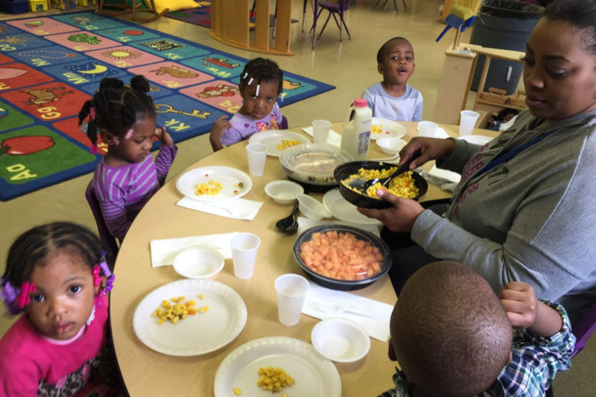 At the Winston Development Centers Head Start in Detroit, nutritious meals are served family style. (Erin Einhorn/Chalkbeat)