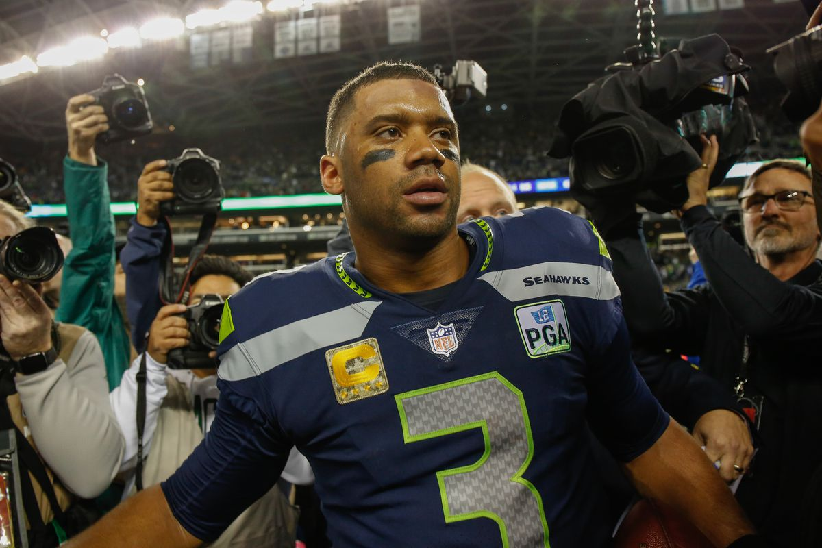 detailed pictures 3e7f9 0067a Seahawks Pro Bowl voting: Where does Russell Wilson and ...