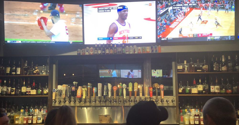 Oak Sports Bar Takes Over Old Porter Ale House Space on ...