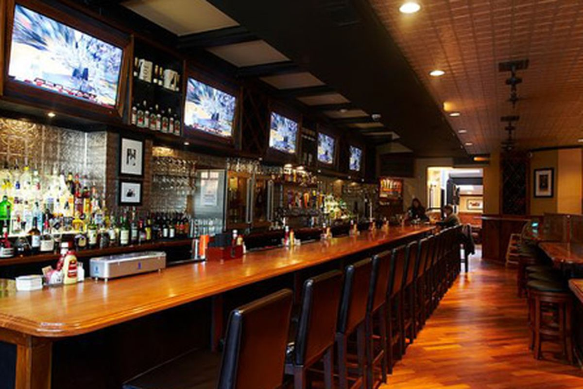 Maddy's Bar & Grille