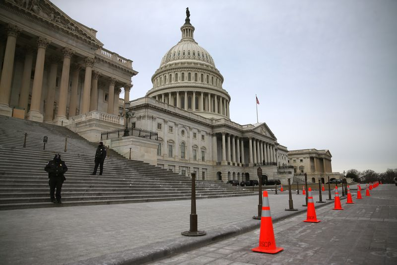 Even in gridlocked Washington, D.C., the public does not want American presidents to bypass Congress. (Mark Wilson/Getty Images)