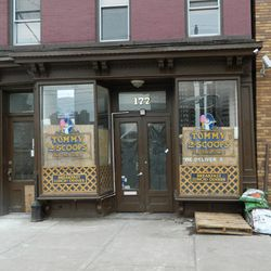 """<a href=""""http://ny.eater.com/archives/2012/12/over_a_month_after_sandy_hoboken_and_jersey_city_restaurants_look_to_recovery_1.php"""">Post-Sandy NYC: Jersey City and Hoboken</a>"""