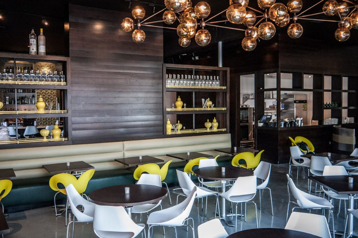 """<a href=""""http://atlanta.eater.com/archives/2012/12/10/take-a-look-around-10th-piedmont-opening-tonight.php"""">10th &amp; Piedmont, Atlanta</a>"""