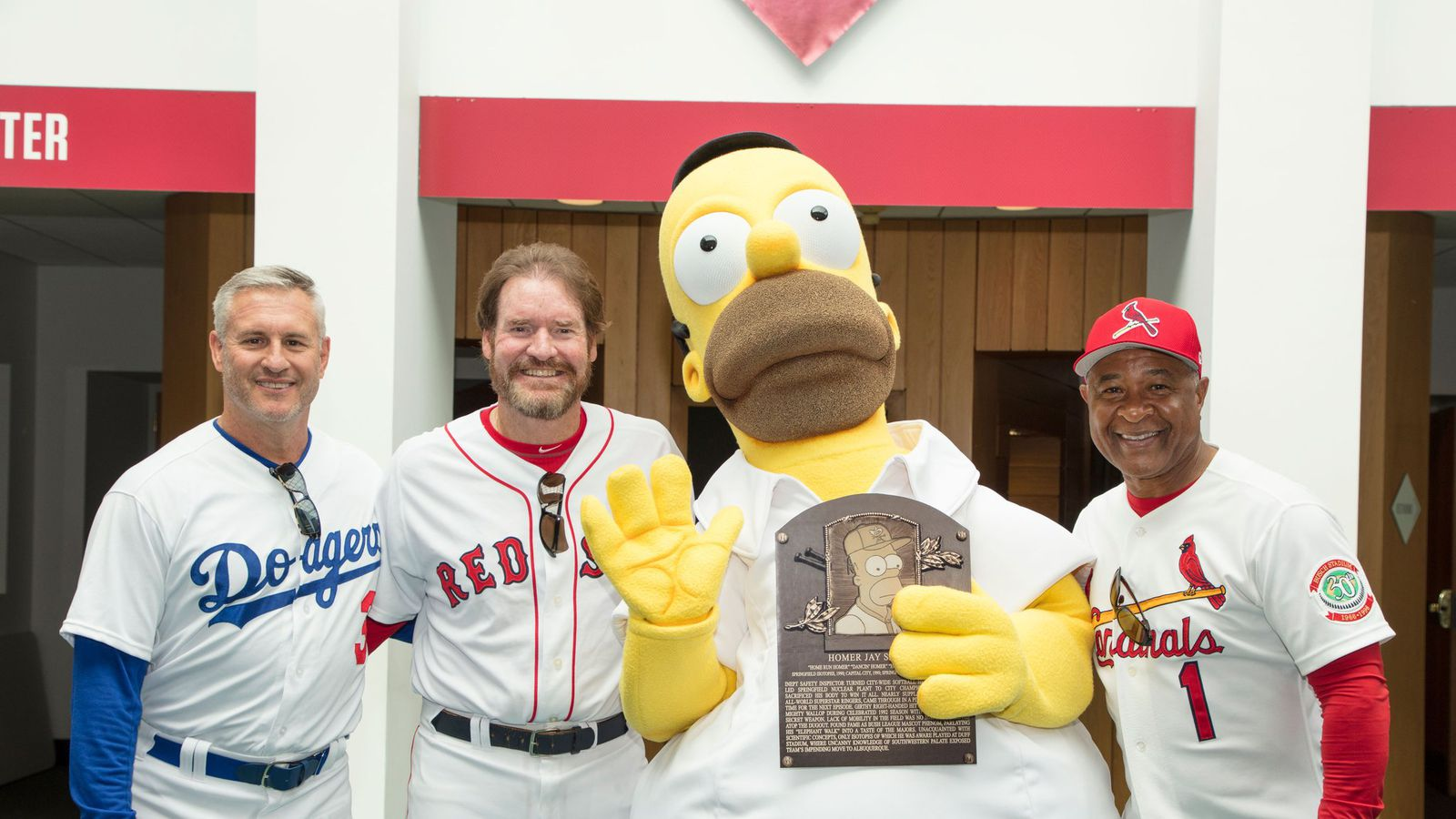 Homer Simpson gets inducted into Baseball Hall of Fame in ...
