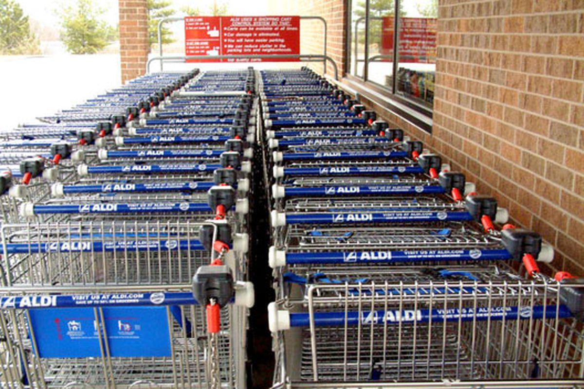 """Aldi carts via <a href=""""http://www.flickr.com/photos/maha-online/118434564/sizes/o/"""">maha-online</a>/Flickr"""