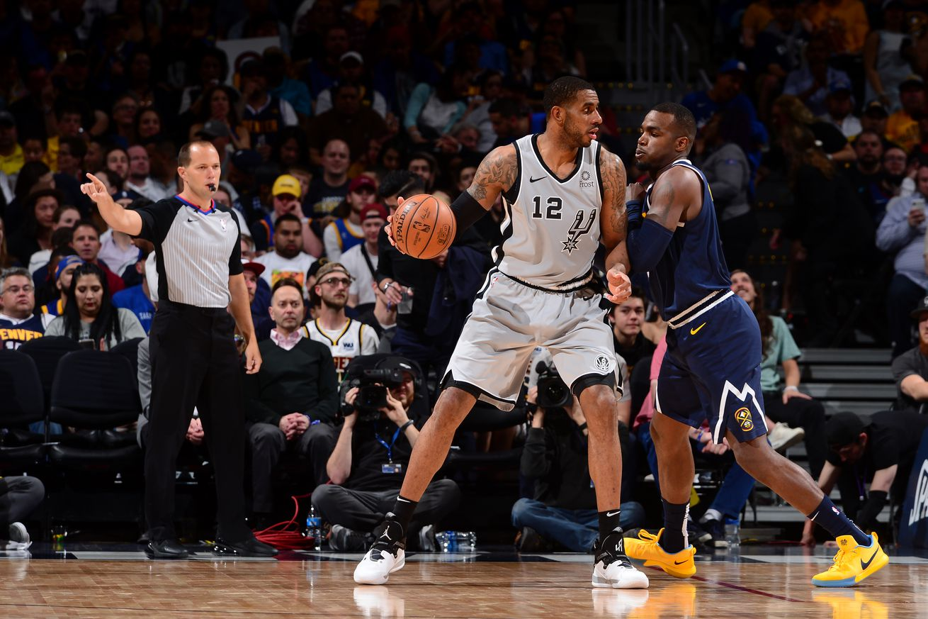 LaMarcus Aldridge sports new kicks as Spurs work out ahead of training camp