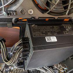 <em>This time, it's a fully modular 650W 80+ Gold SFX power supply instead of a 500W Flex ATX one.</em>