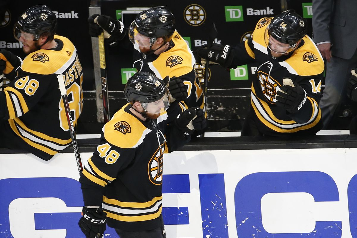 Recap Bruins Thrash Hurricanes In Game 2 6 2 Stanley Cup Of Chowder