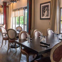The main dining room at Hamptons