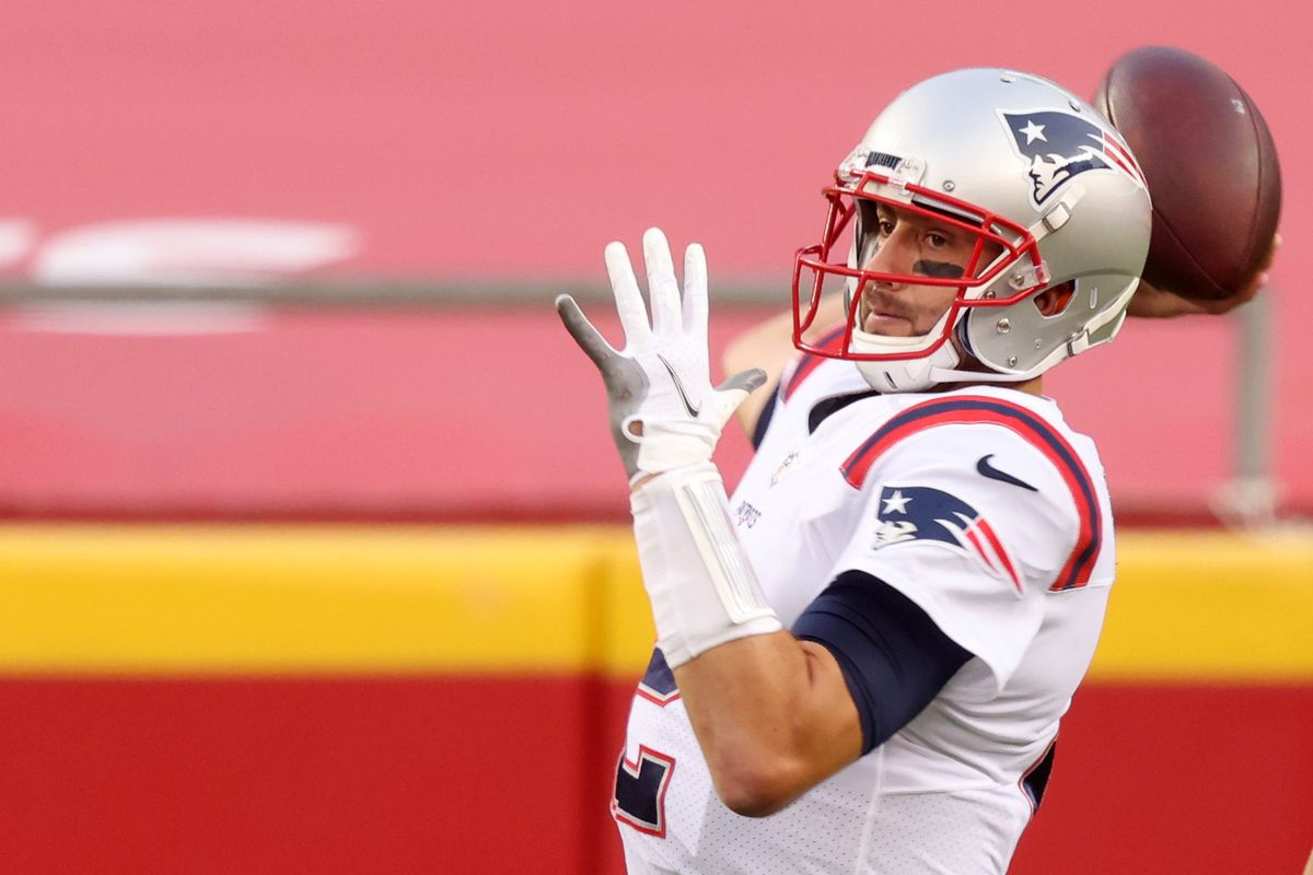 Patriots QB Brian Hoyer enters free agency after a disappointing ...