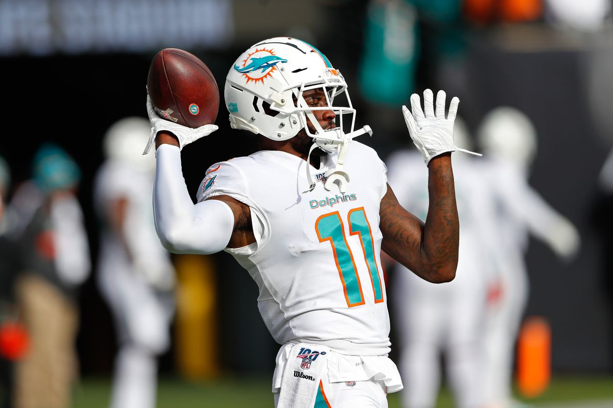 Miami Dolphins wide receiver DeVante Parker during warm up before game against the New York Jets at MetLife Stadium.