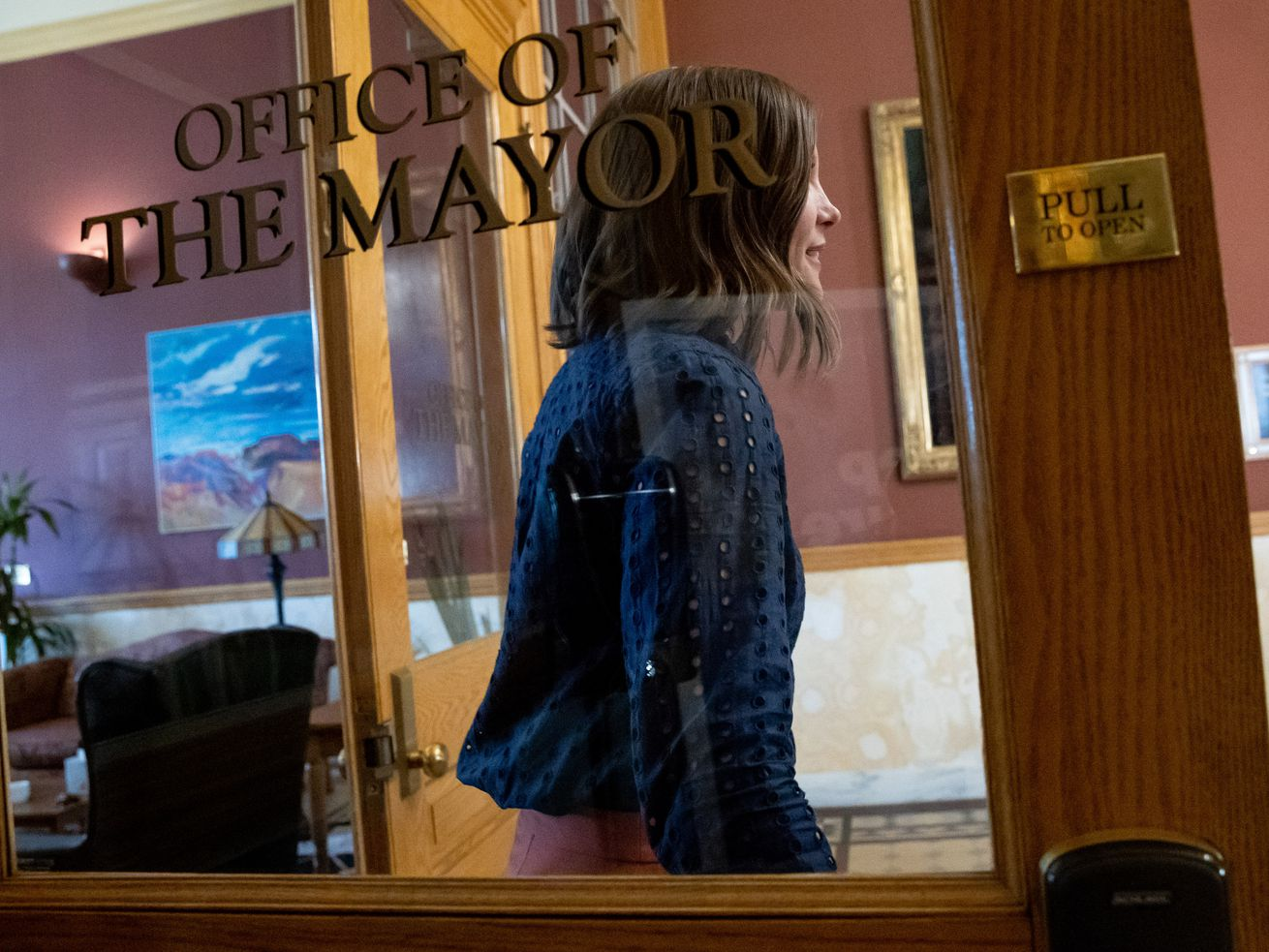 Salt Lake City mayor signs executive order requiring masks in city-owned buildings