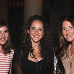 Of a Kind's Erica Cerulo and Claire Mazur with sale organizer Chelsa Skees