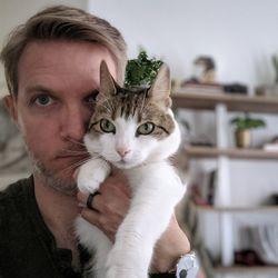 Selfie camera portrait mode — better on humans than cats