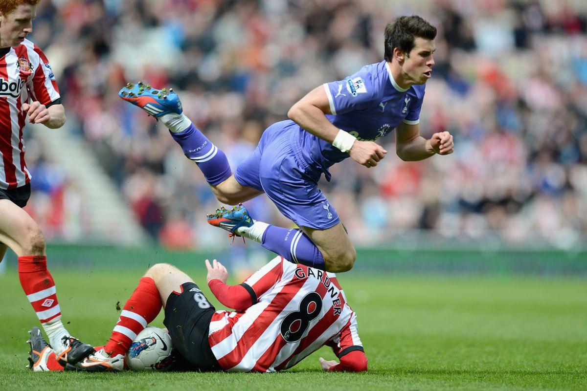 Gareth Bale emphatically not diving vs. Sunderland last Spring