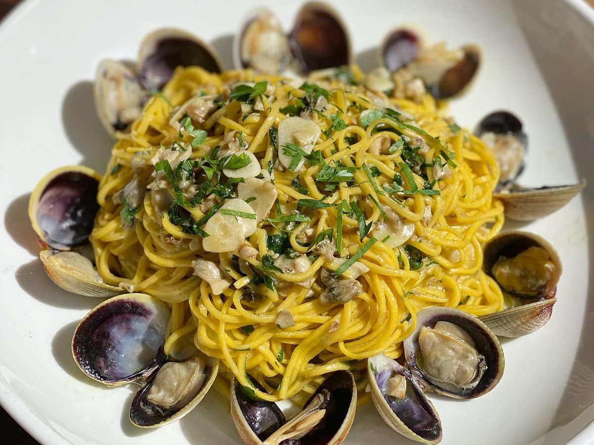Chitarra alle Vongole with clams