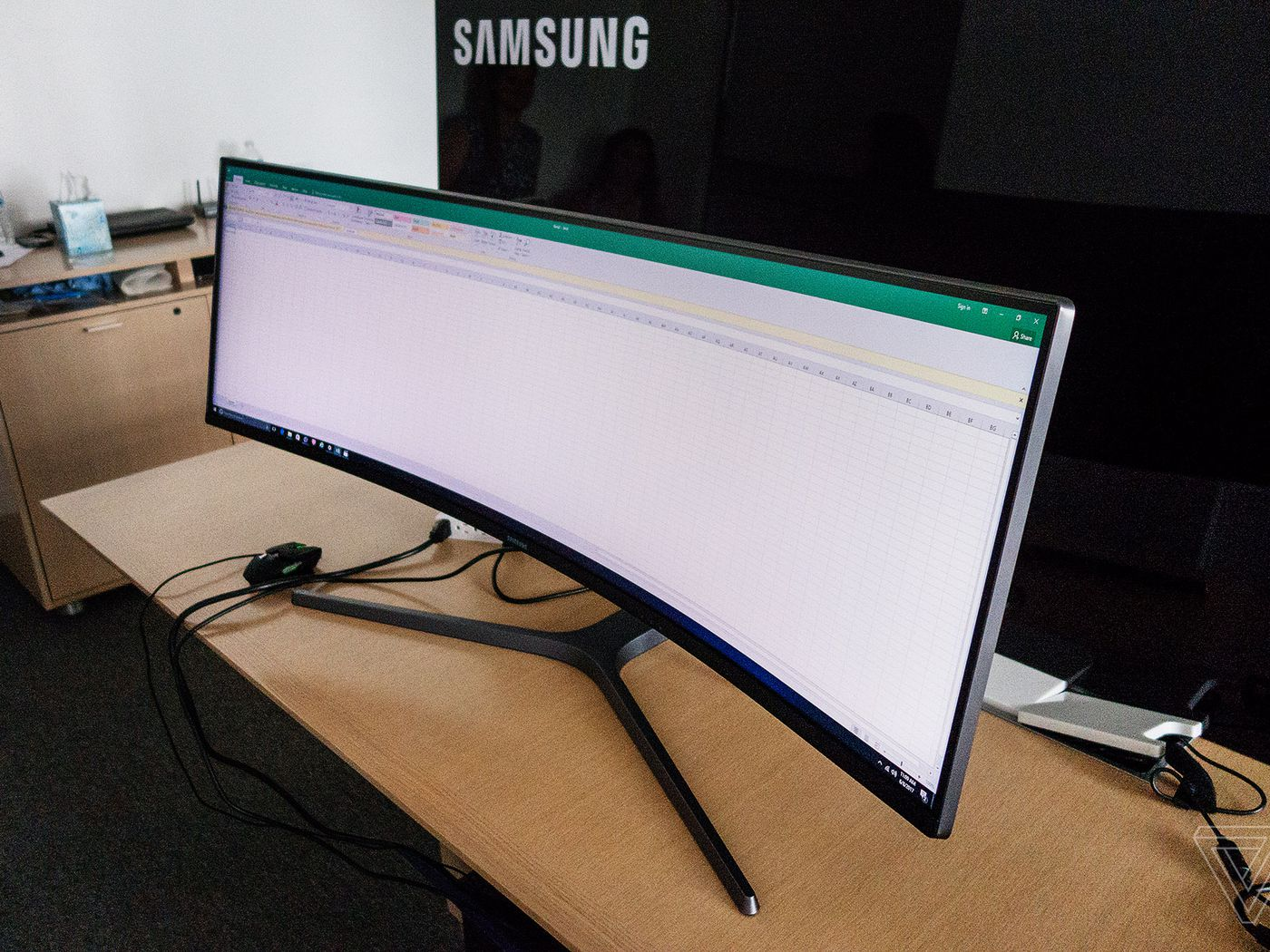 Samsungs 49 Inch Ultrawide Curved Display Is Basically Just Half A TV At This Point