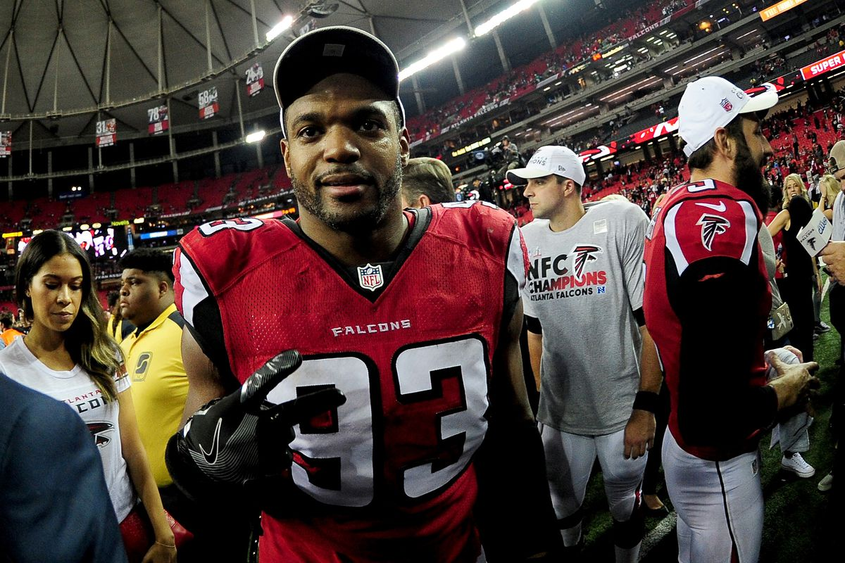 Dwight Freeney signs with the Seattle Seahawks
