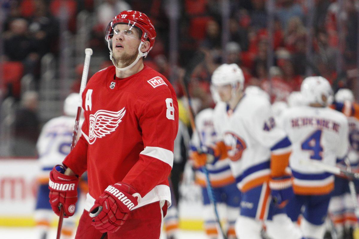 NHL: New York Islanders at Detroit Red Wings
