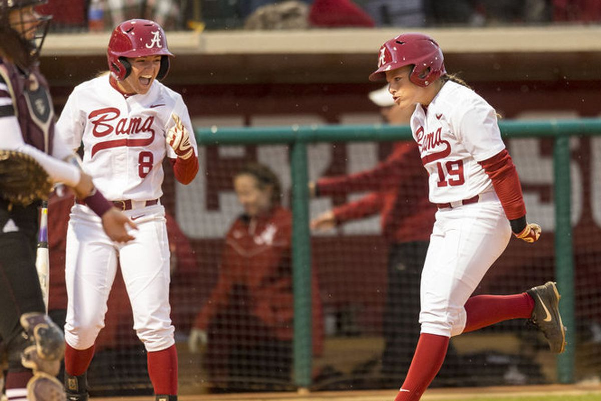 Danielle Richard trots home after her leadoff home run in game one of Alabama's sereis win over Texas A&M.