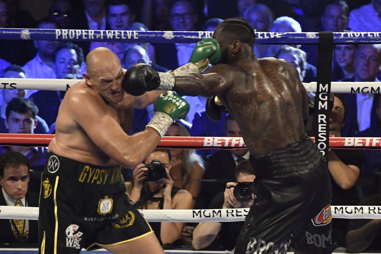 1202669735.jpg.0 - Fury-Wilder 3 needs new date due to football conflicts