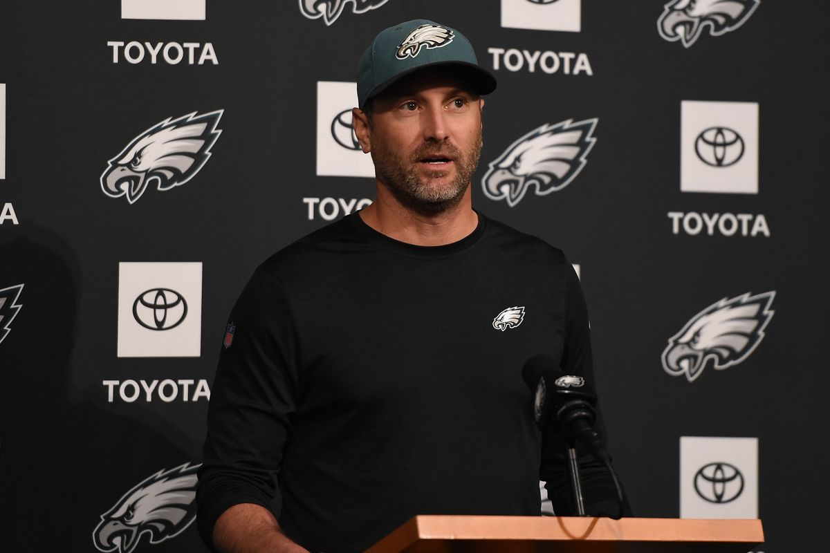 "Playing ""stay or go"" with the Eagles' coaching staff"