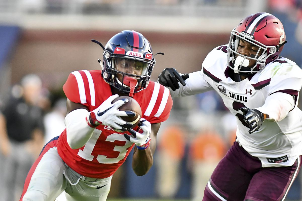 NCAA Football: Southern Illinois at Mississippi