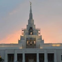 The Phoenix Arizona Temple, shown here in an April 2014 update on mormontemples.org, will be dedicated Nov. 16, 2014.