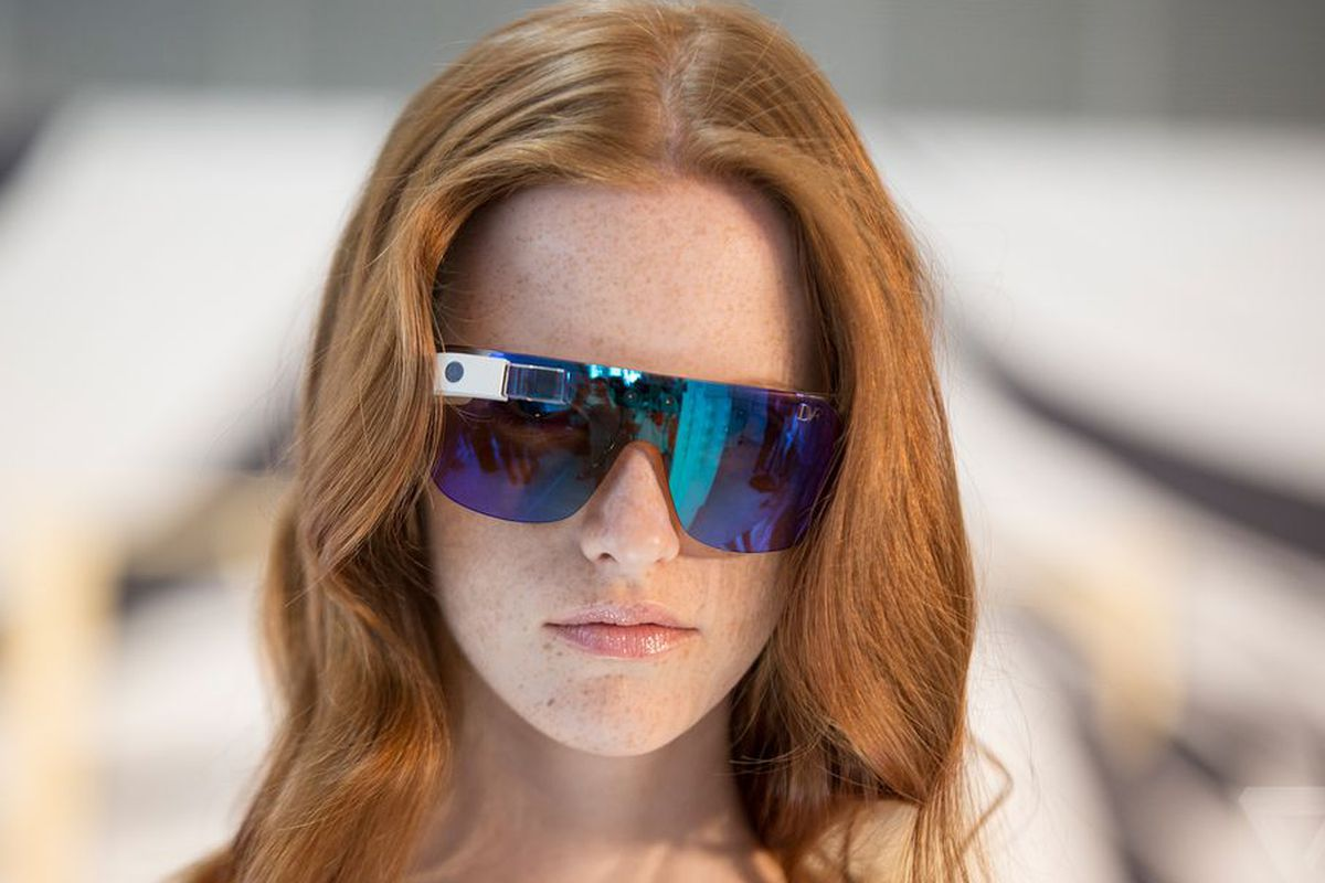 """Photo via <a href=""""http://www.theverge.com/2014/6/3/5777044/see-a-fashion-icon-take-on-google-glass"""">The Verge</a>"""