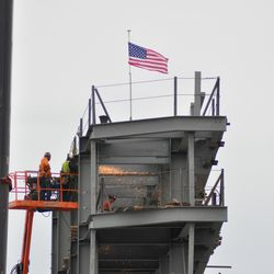 Welding at the top of the video board structure -