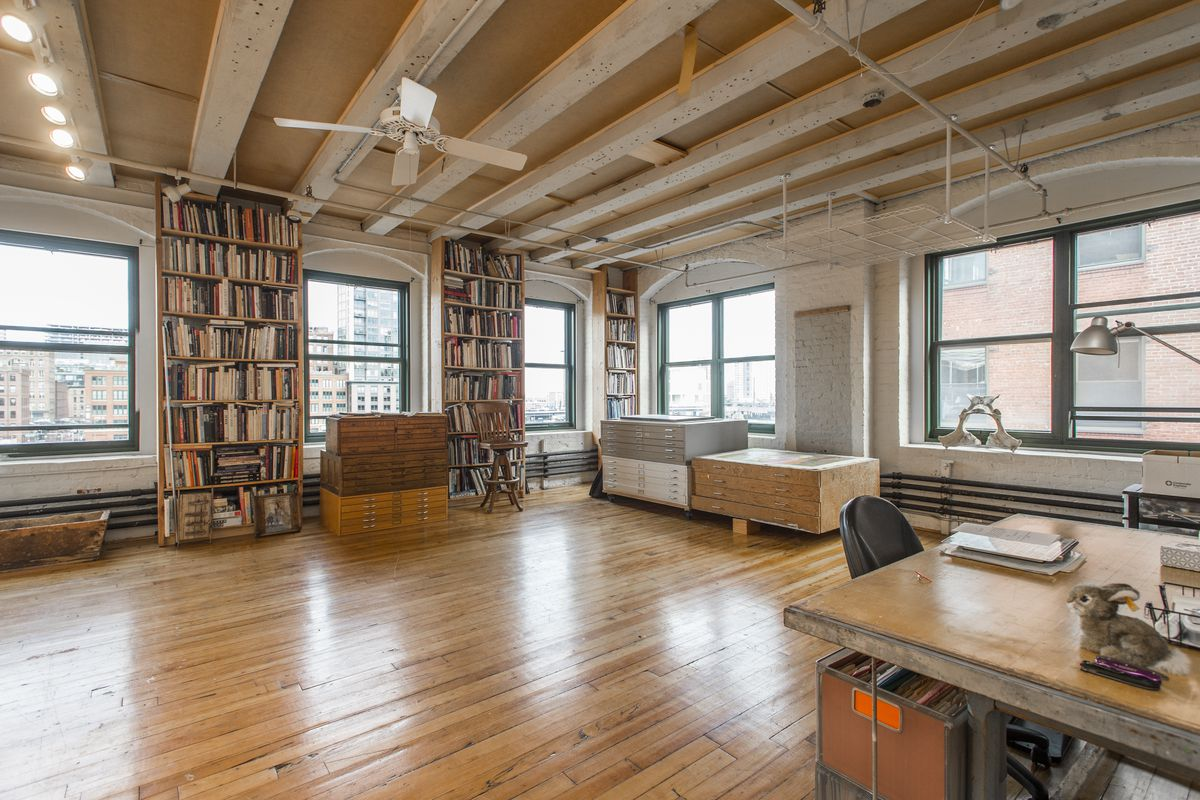 Fort Point Live Work Loft With Plenty Of Shelf Space