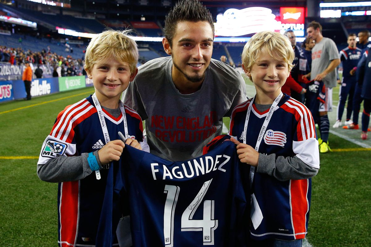 Hey look! Aren't those Dad-of-the-Year Chris Gasbarro's kids?