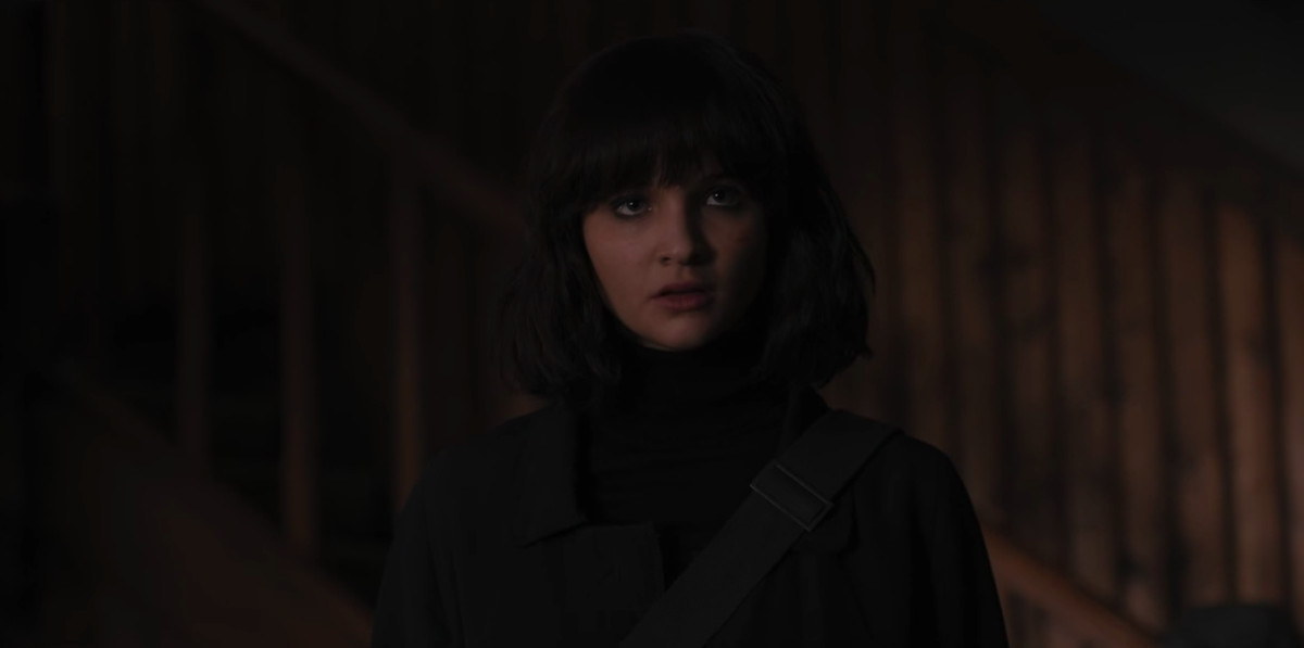 Parallel Universe or Alternate Martha appears with short hair and bangs.