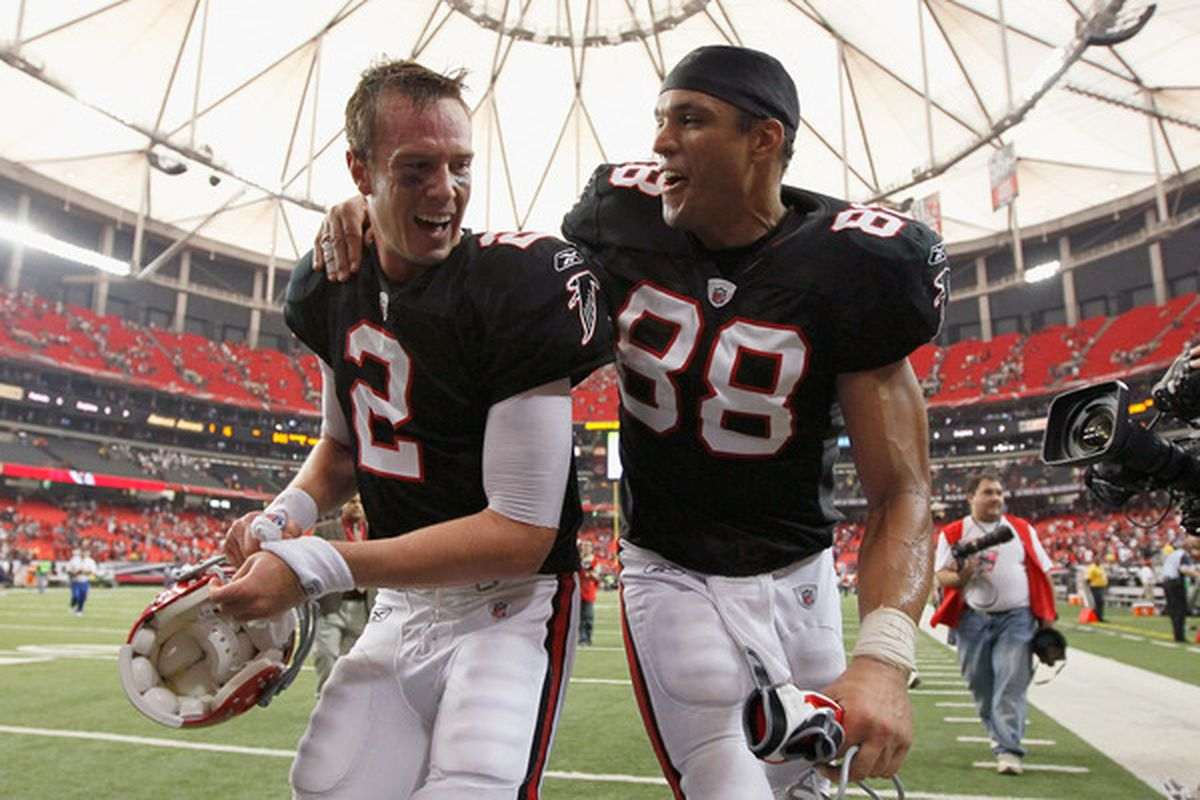 ATLANTA - OCTOBER 03:  Quarterback Matt Ryan #2 and Tony Gonzalez #88 of the Atlanta Falcons celebrate after their 16-14 win over the San Francisco 49ers at Georgia Dome on October 3 2010 in Georgia.  (Photo by Kevin C. Cox/Getty Images)