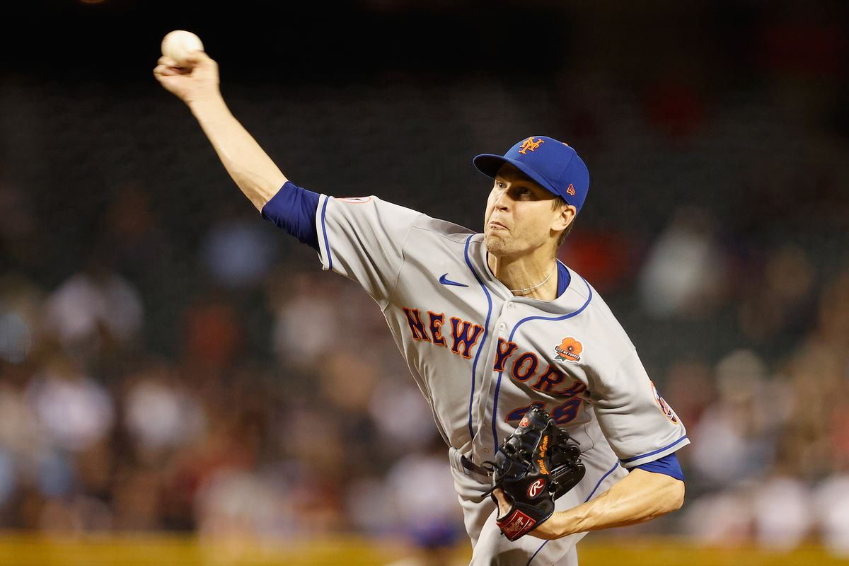 Starting pitcher Jacob deGrom #48 of the New York Mets pitches against the Arizona Diamondbacks during the MLB game at Chase Field on May 31, 2021 in Phoenix, Arizona.